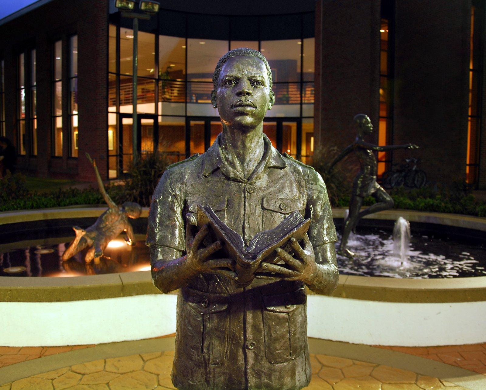 Morris Statues0559-001.jpg