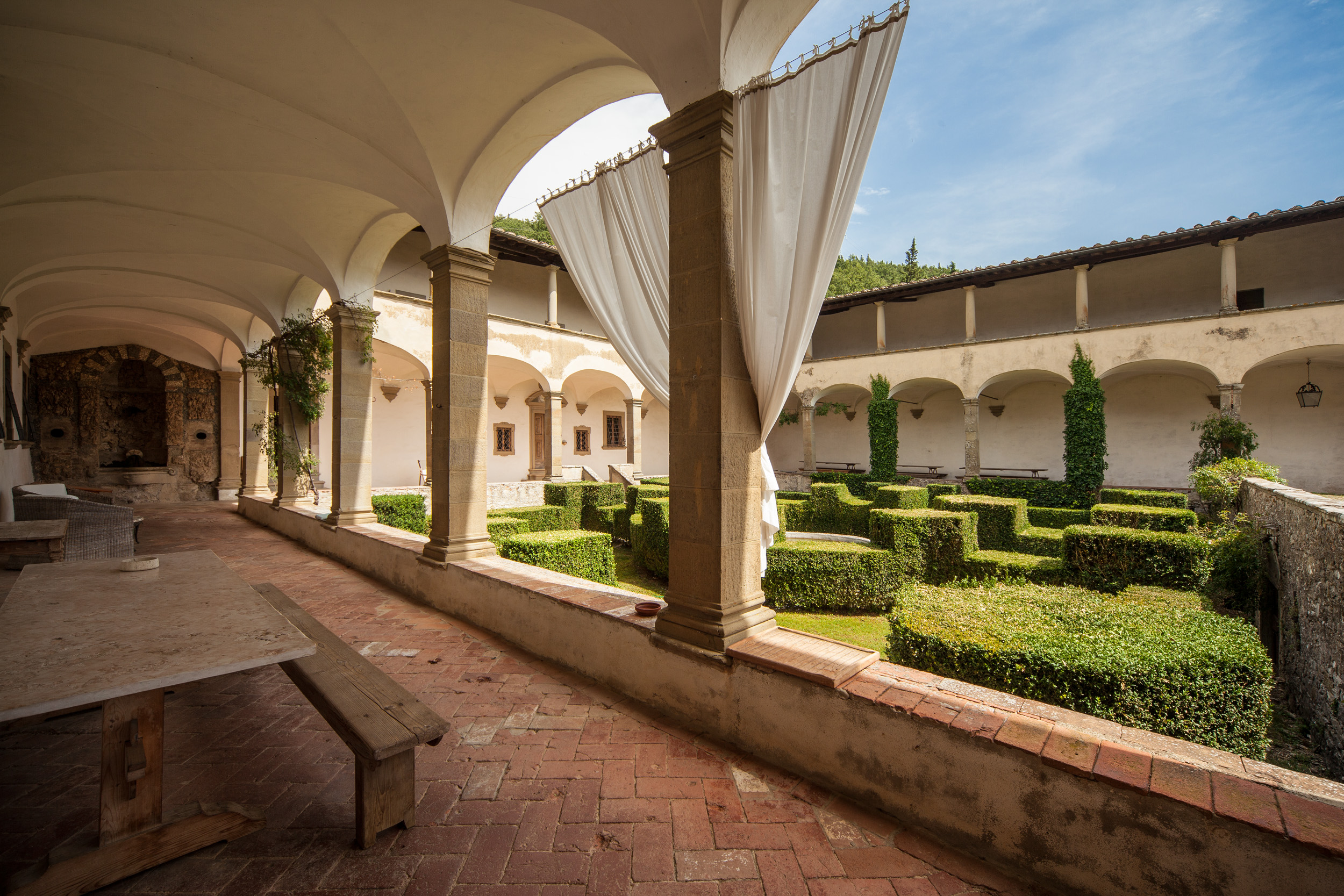convent_villa_florence_31.jpg