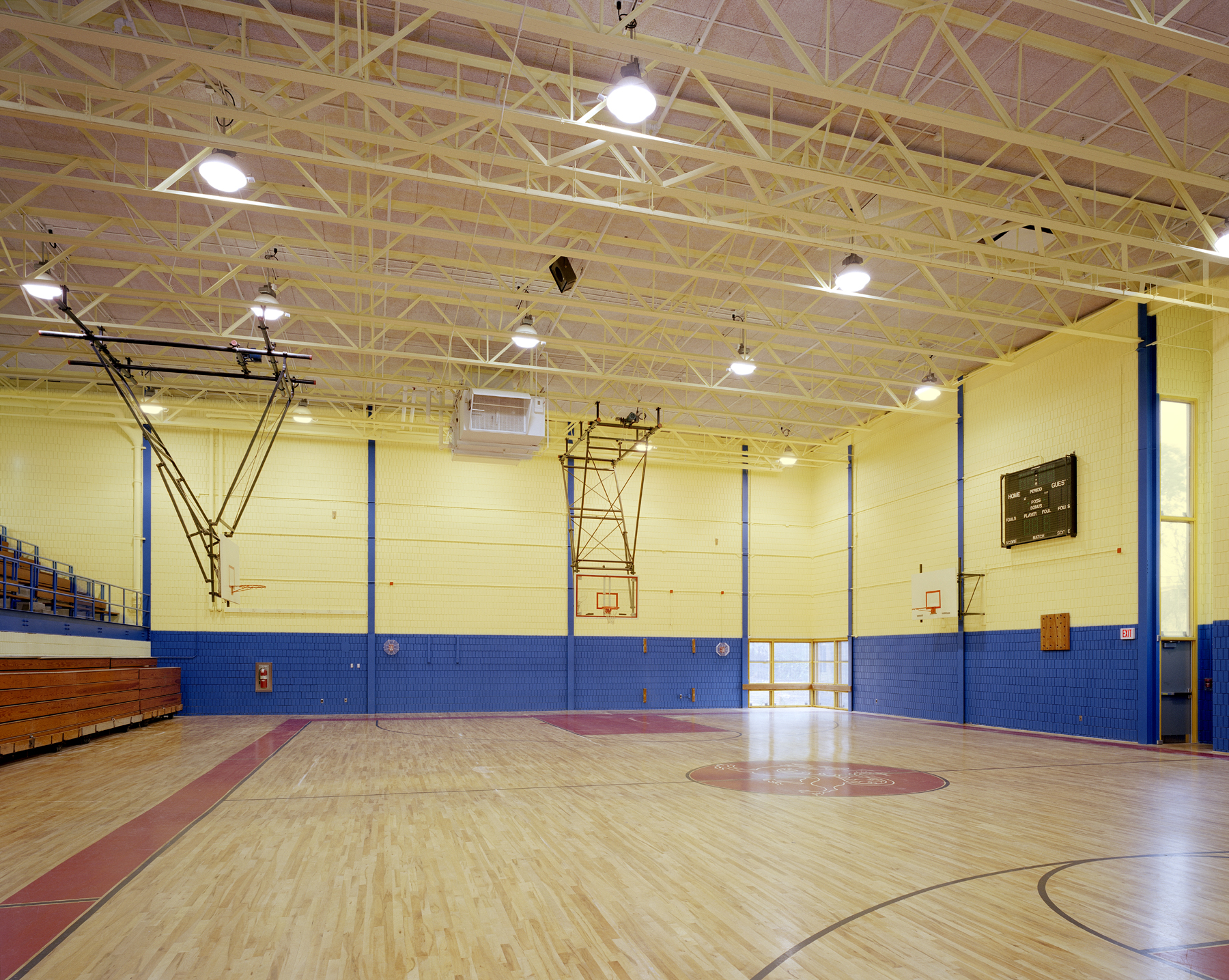 Int-Gymnasium.jpg