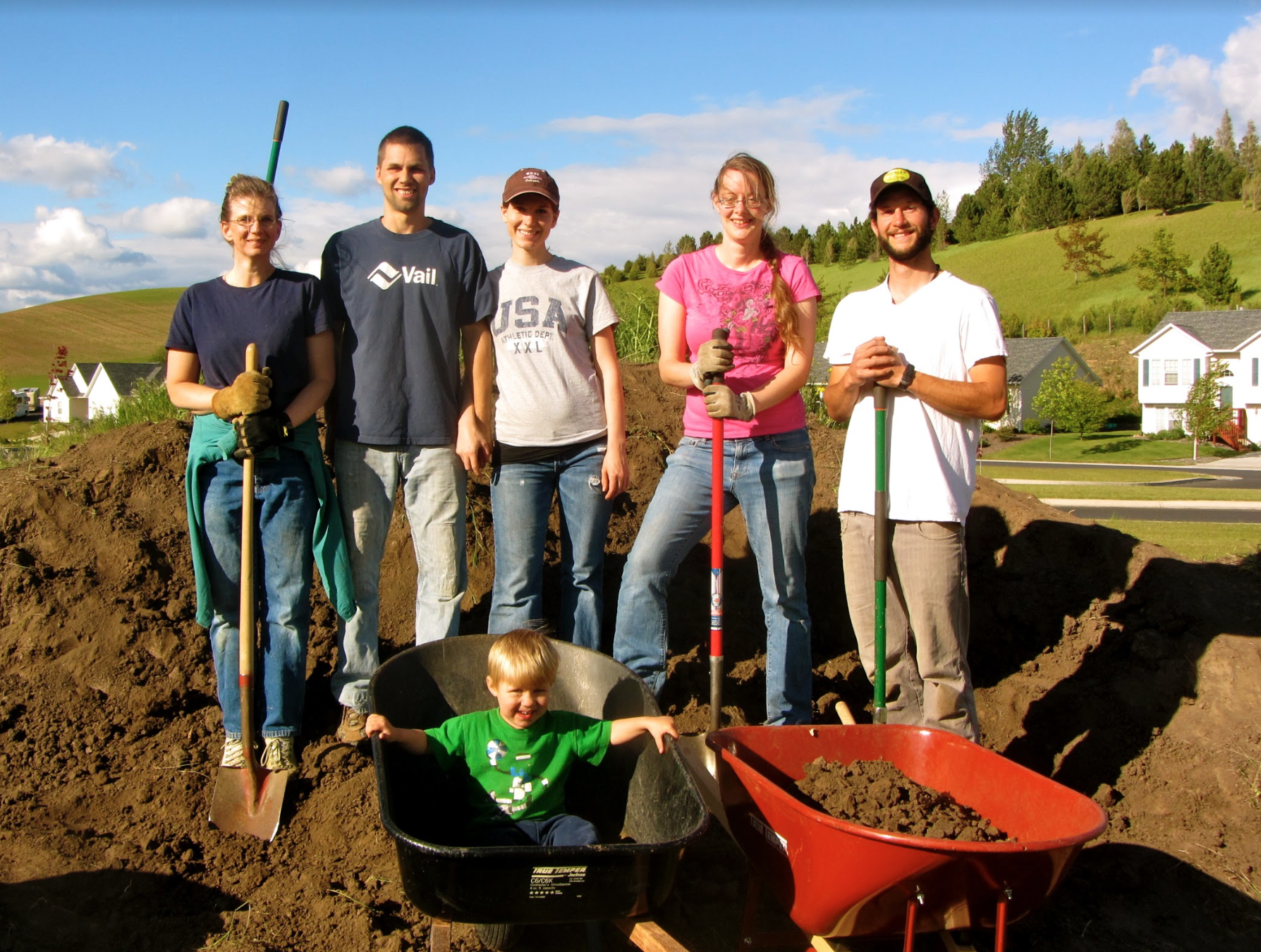 Volunteer on your time - Whether you're a busy family wanting to pick fruit on the weekends or a full-time student in need of service hours, Backyard Harvest wants to make it easy for everyone to pitch in and help out. Click below to send our Volunteer Coordinator a request to be added to our weekly e-mail of upcoming volunteer opportunities, and follow us on Facebook for events that may be of interest!