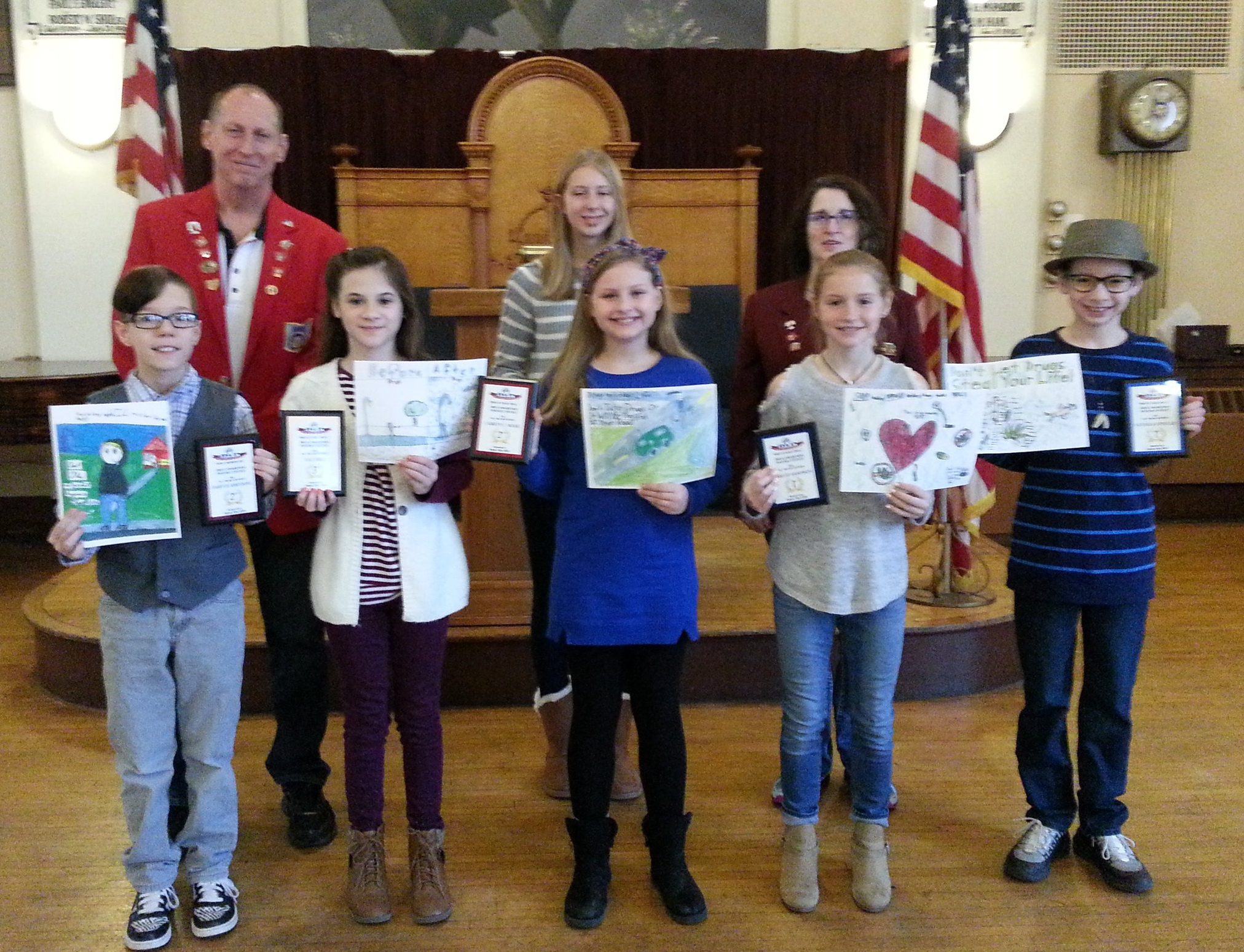 Pictured front row Darryck Armstrong -2nd, Karlie Sampson-1st, Camryn Mark -2nd Lily Hill-3rd, Nathan Fowler-1st and not pictured Jimmy Andres Miguel Francisco-3rd. Back row is Wayne Gorby, ER, the only Essay contestant Chloe Wilhelm 1st place and Kim Chapman, Loyal Knight, DAP Chairman.
