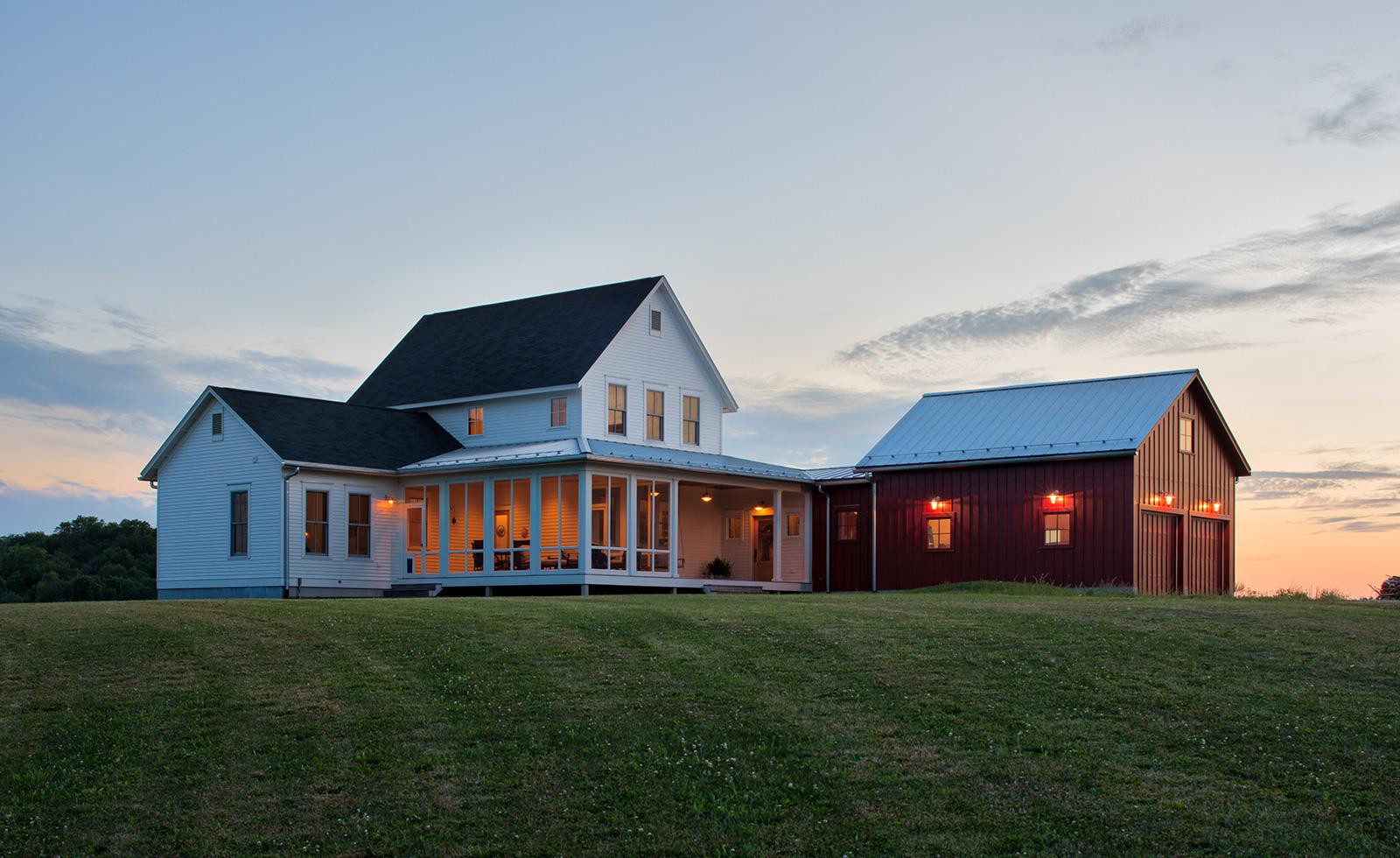 01_IowaFarmhouse.jpg