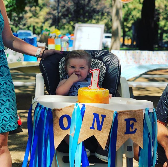 Happy birthday Parker! Had such a great time with friends and family celebrating my son's first birthday 🥳. He had cake, lots of love, great gifts, and laughs. We had top notch smoked meats 🍖 from @jaeandtrae and played paddleball, launched some water balloons 💦 🎈 and Kaylee led everyone in a water balloon fight. #1stbirthday