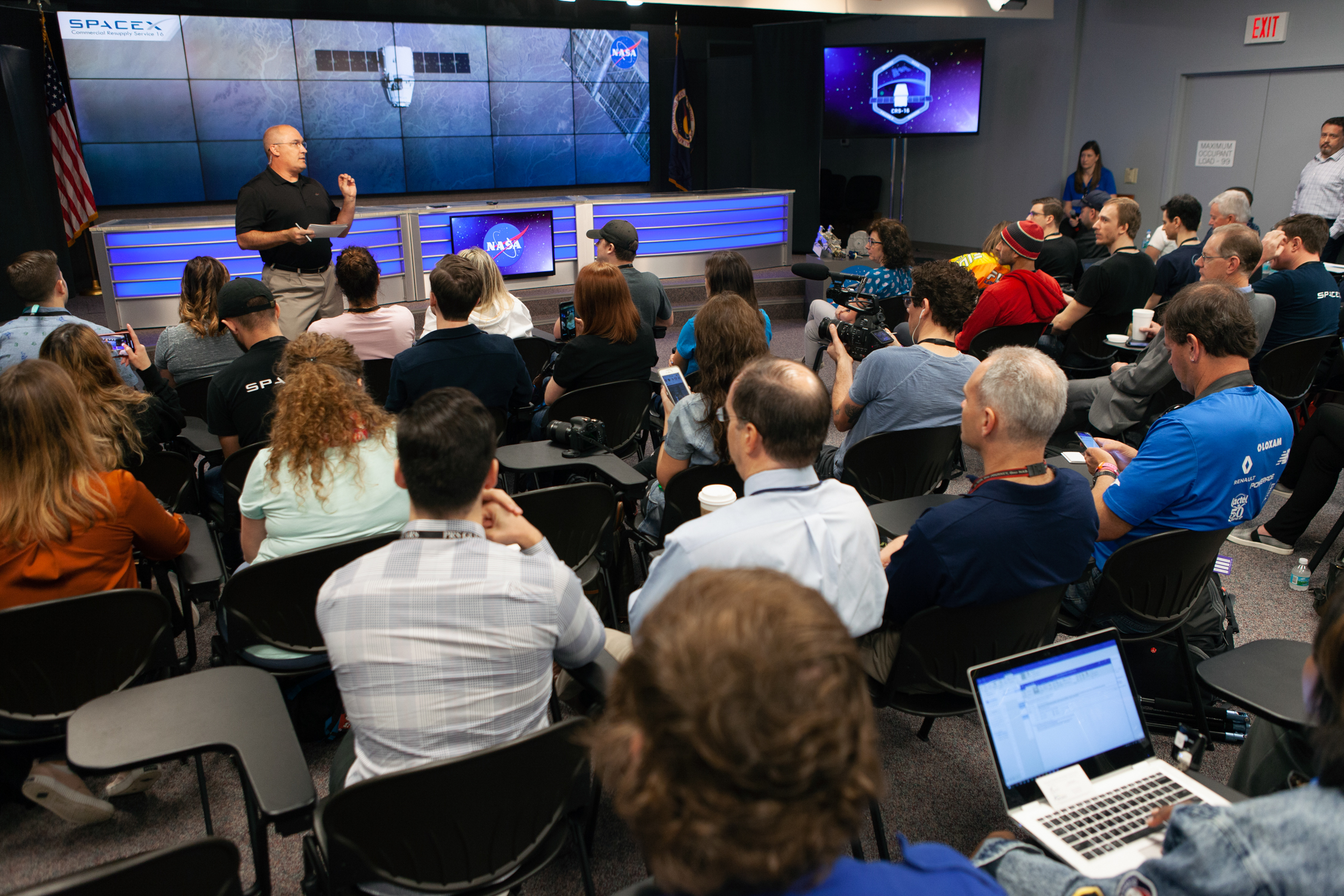 ksc-20181203-ph_kls01_0002_46114429702_o.jpg