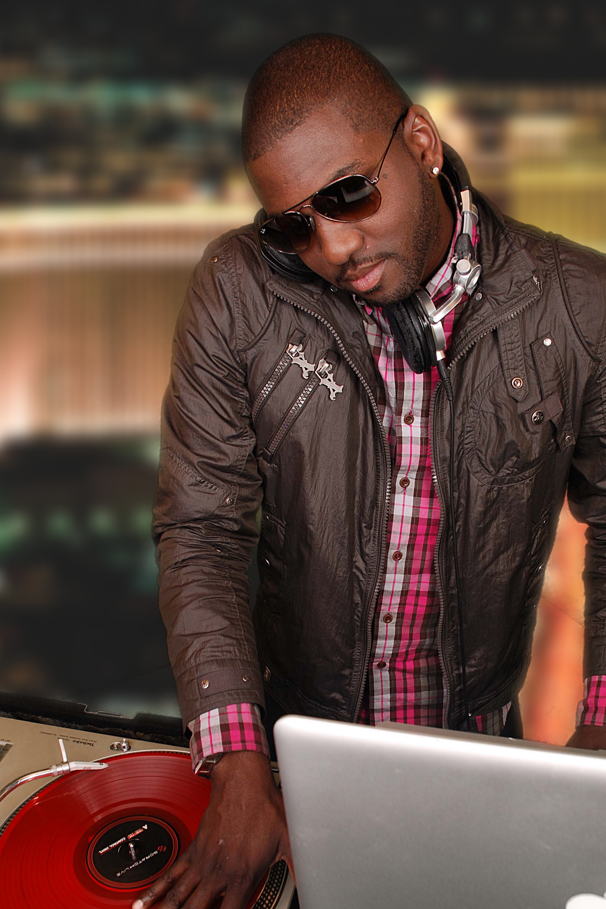 """Born in Hackensack and raised in Paterson, NJ, Daren """"DJ Poun"""" Smith is the son of a gospel singing mother and a jazz musician father. It was this early childhood exposure to 70's soul, funk, jazz, R&B, and disco that helped shape Poun's natural instinct for music awareness and knowledge.. While still in grammar school, Poun', along with his brother DJ Jus, were able to secure a weekly residency gig at the local Skating Rink / dance club known as """"Skater's World"""". Hundreds of young adults would flock to the club on a weekly basis to party with Paterson, New Jersey's favorite sons.  DJ Poun's career took a shift into high-gear when his DJ talents were discovered by management at Jay-Z's flagship establishment, the 40/40 Club New York City. Claiming residency in November 2004, DJ Poun' transformed the musical soundscape of the sports bar, quickly turning it into one of the hottest nightclubs in NYC. Following his success in New York City, Jay-Z and the 40/40 Club management offered DJ Poun' residencies at each of their upcoming clubs, including Atlantic City and Las Vegas. Poun' has spun alongside nationally recognized DJ's such as Kid Capri, Funkmaster Flex, and DJ Clue, and has provided sounds for celebrity guests such as Kanye West, Alex Rodriguez, Beyonce, and Lebron James. From the streets of New York City, all the way to the bright lights of Las Vegas, DJ Poun' has yet to meet a crowd that he can't rock! With a distinguished passion for music and an incomparable drive for perfection, DJ Poun' will continue to raise the bar for club & mixtape DJ's for years to come."""