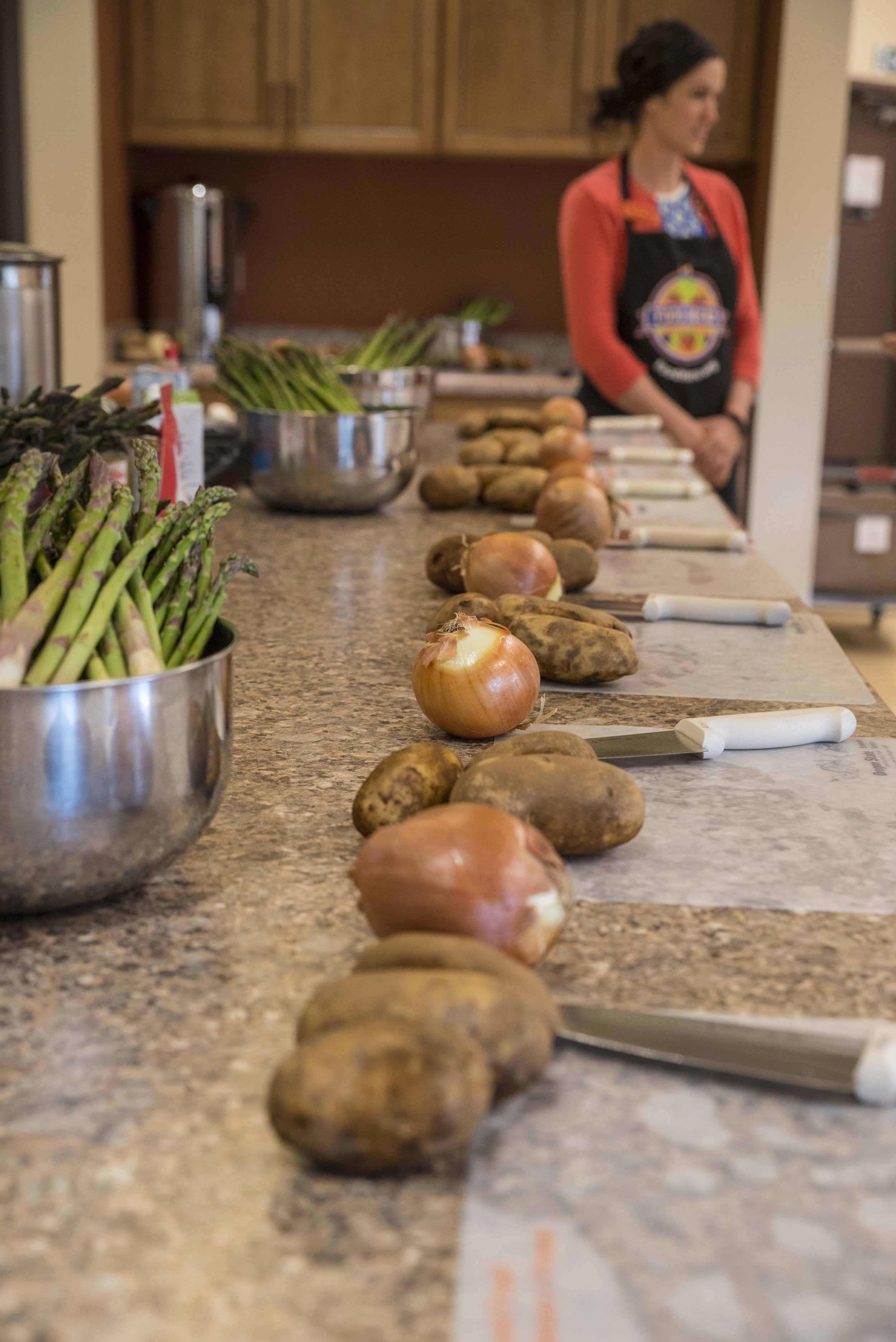 Potatoes and onions are ready for dicing at a Food Hero recipe showcase in Hood River. ( Stephen Ward/© 2018 Oregon State University )