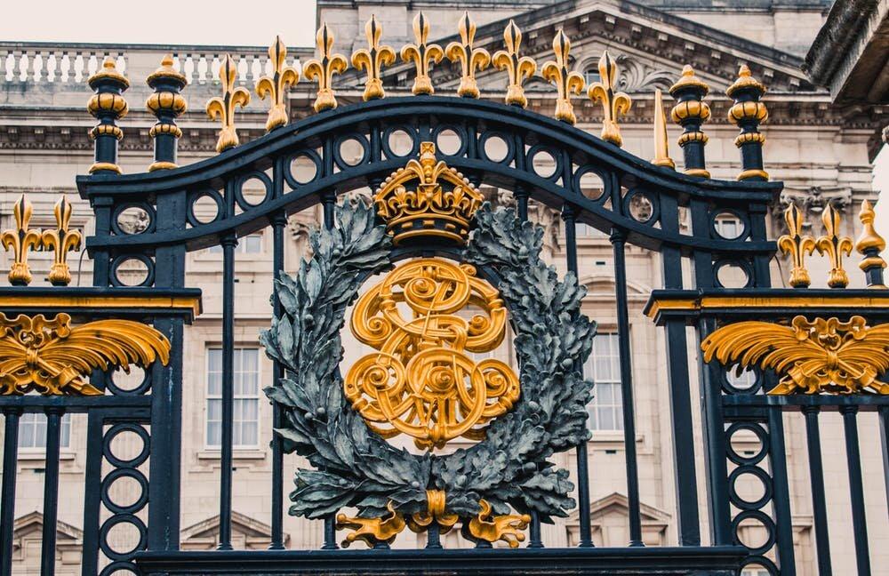 buckingham palace.jpeg