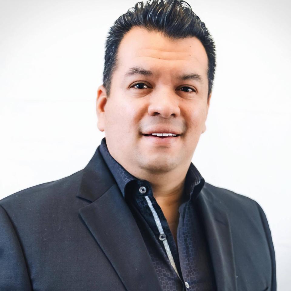 Hugo Araujo - 773-550-4846Hugo@realtyofchicago.com