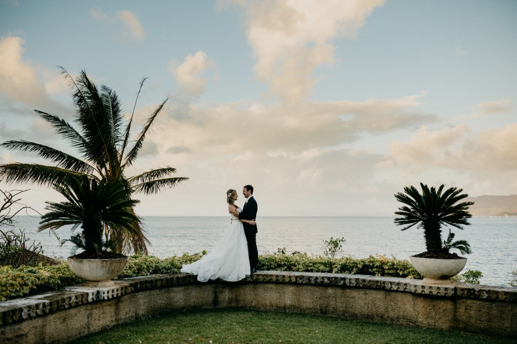 A Slice Of History - Botanica Weddings launched in the glorious Whitsundays in 2008 and made it our speciality to create the type of weddings we'd want for ourselves. Find out more about our history here.