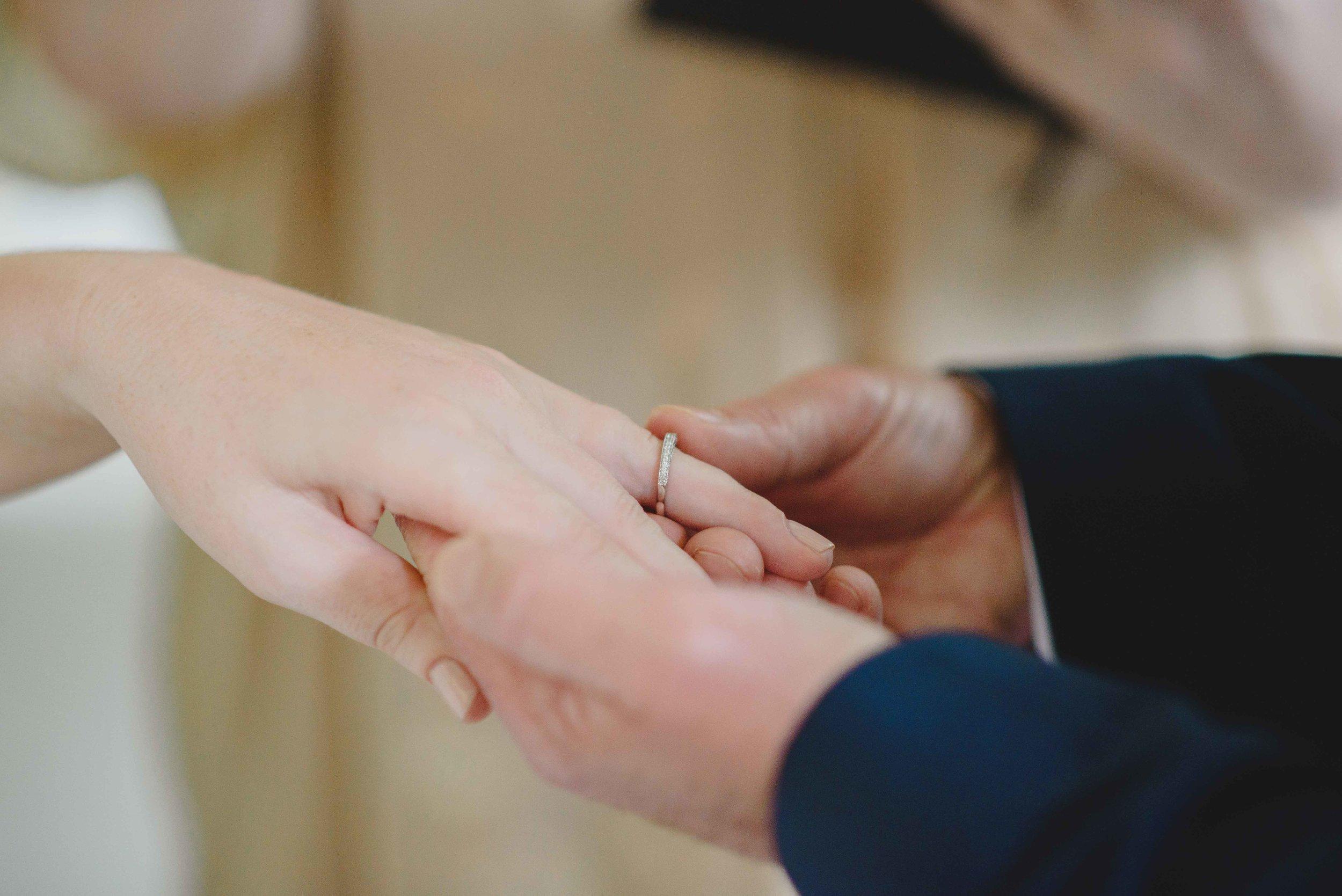 1050-0081M ring on finger.jpg