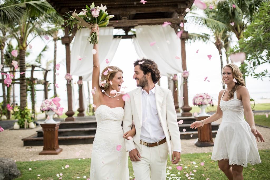 A bali wedding petal toss.jpg