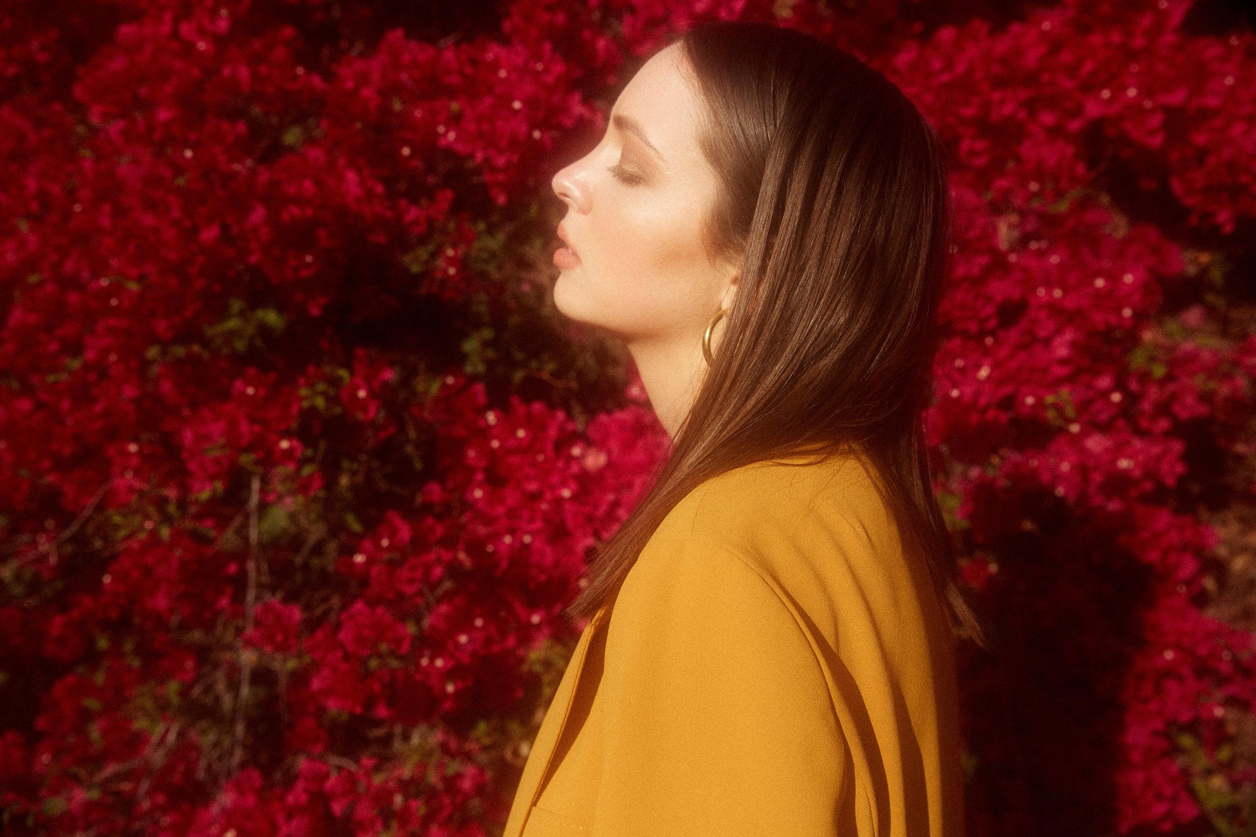 Zara orseund iris Yellow suit emily ratajowski mustard yellow Madison Chertow