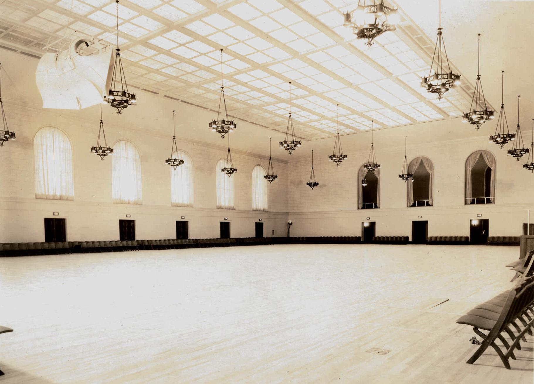 Exhibit Hall 1932-1.jpg