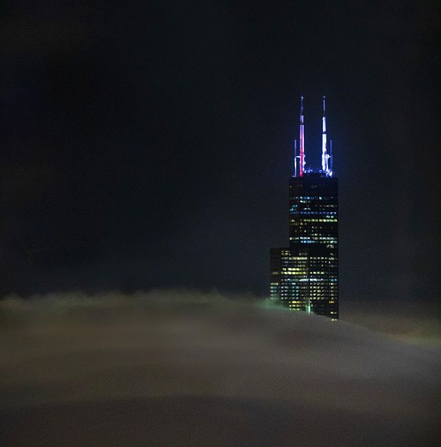 It's lonely at the top.  A view of Willis Tower in a foggy Chicago last night. #pauljoynerphoto #chicago #willistower #photograghy #foggy #photographer
