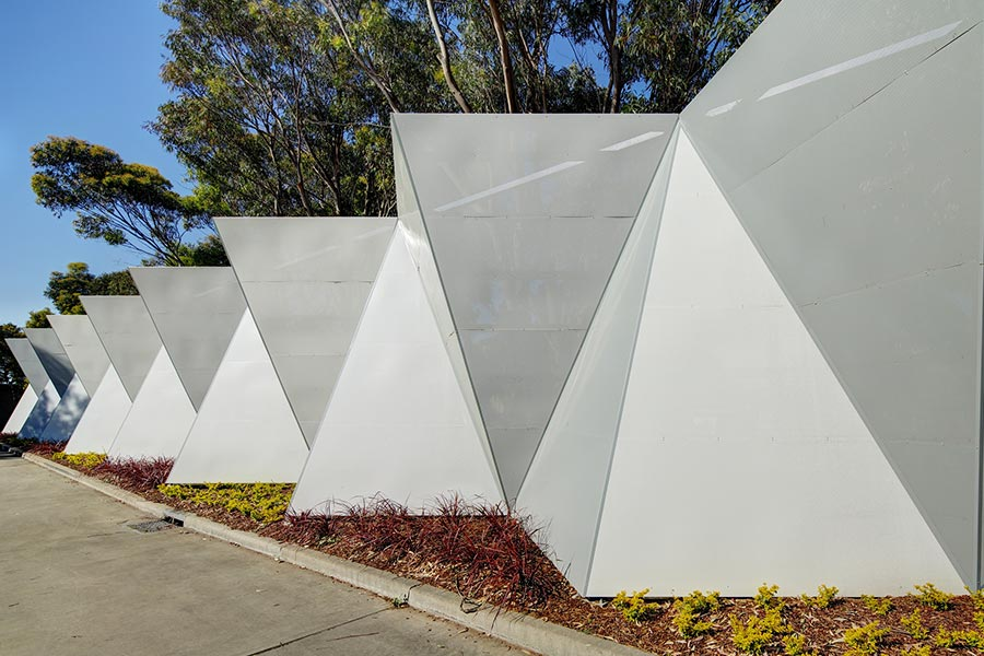 Boundary screen wall
