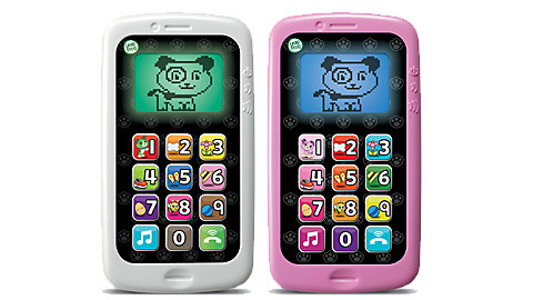 leapfrog chat and count smart phone - If you want a more updated version of a play cell phone, this is it! Push the call button to trade calls and voicemails with your puppy pal Scout/Violet! Skills learned inlucde numbers, pretend play, and social skills. Children also learn conversational skills such as saying hello, how are you, nice to talk to you, and goodbye. This Appropriate for ages 18 months and up.