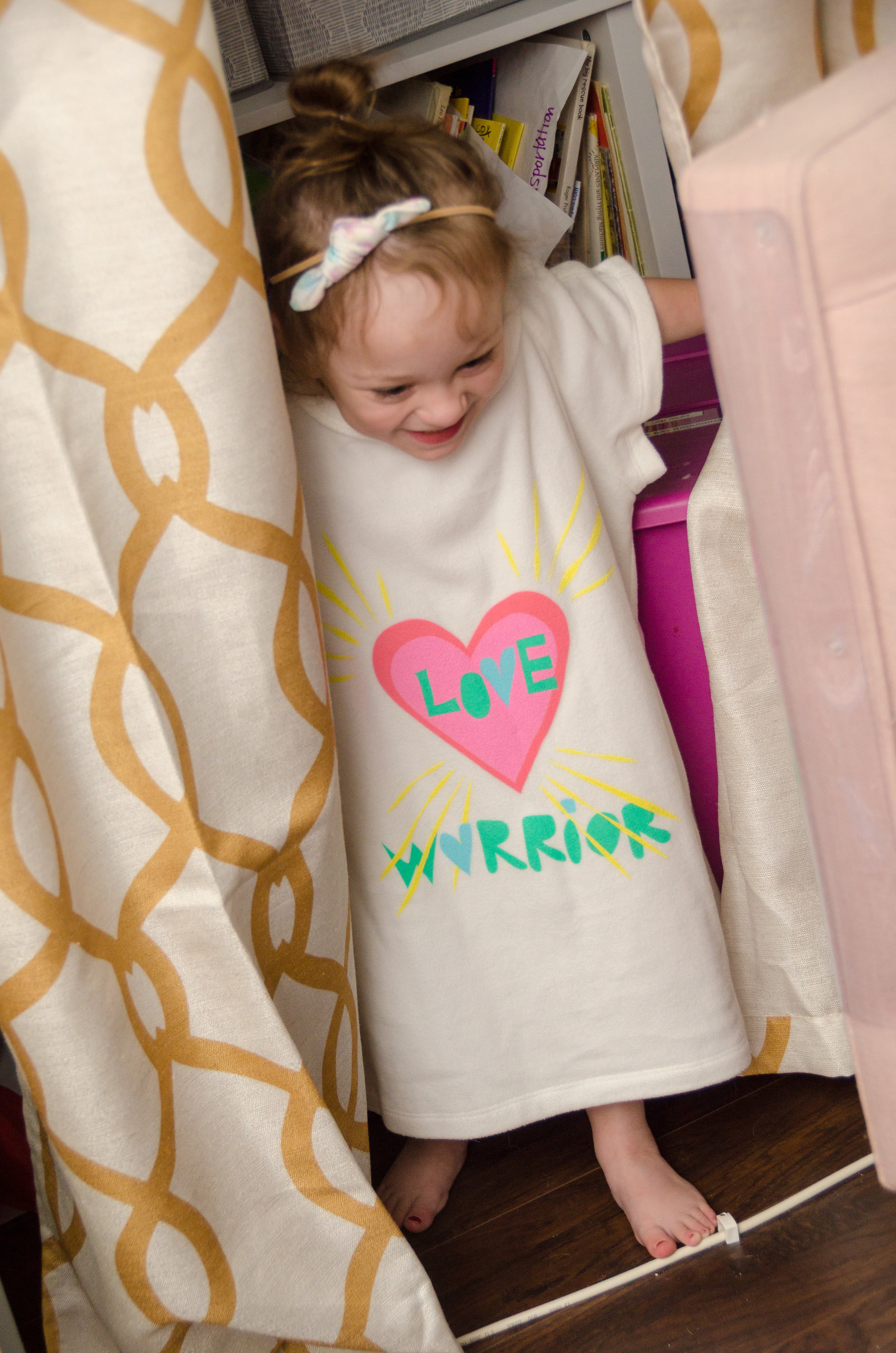 about - Giftgowns makes alternative hospital gowns that are designed to lift the spirits of patients. Our hospital gowns have the functionality of a typical hospital gown, but are made of soft and cozy fabrics. They also feature snap buttons down the back and shoulders to ensure everything stays covered up! Our hospital gowns are great for surgery, recovery, and maternity. We offer both adult and children hospital gowns in sizes XXS - XXXL