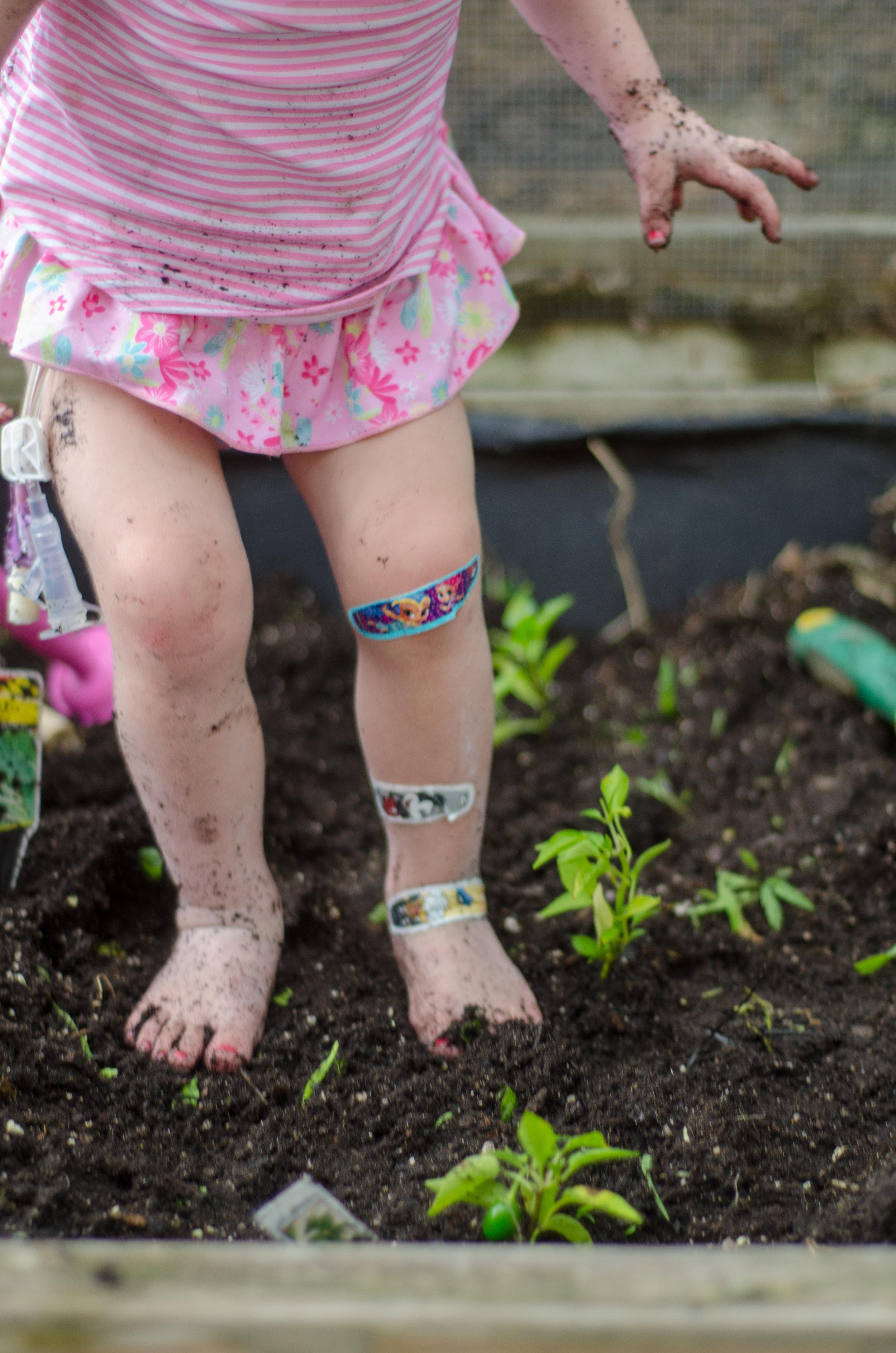 reasons to garden with your kids - iplay - shegotguts.com