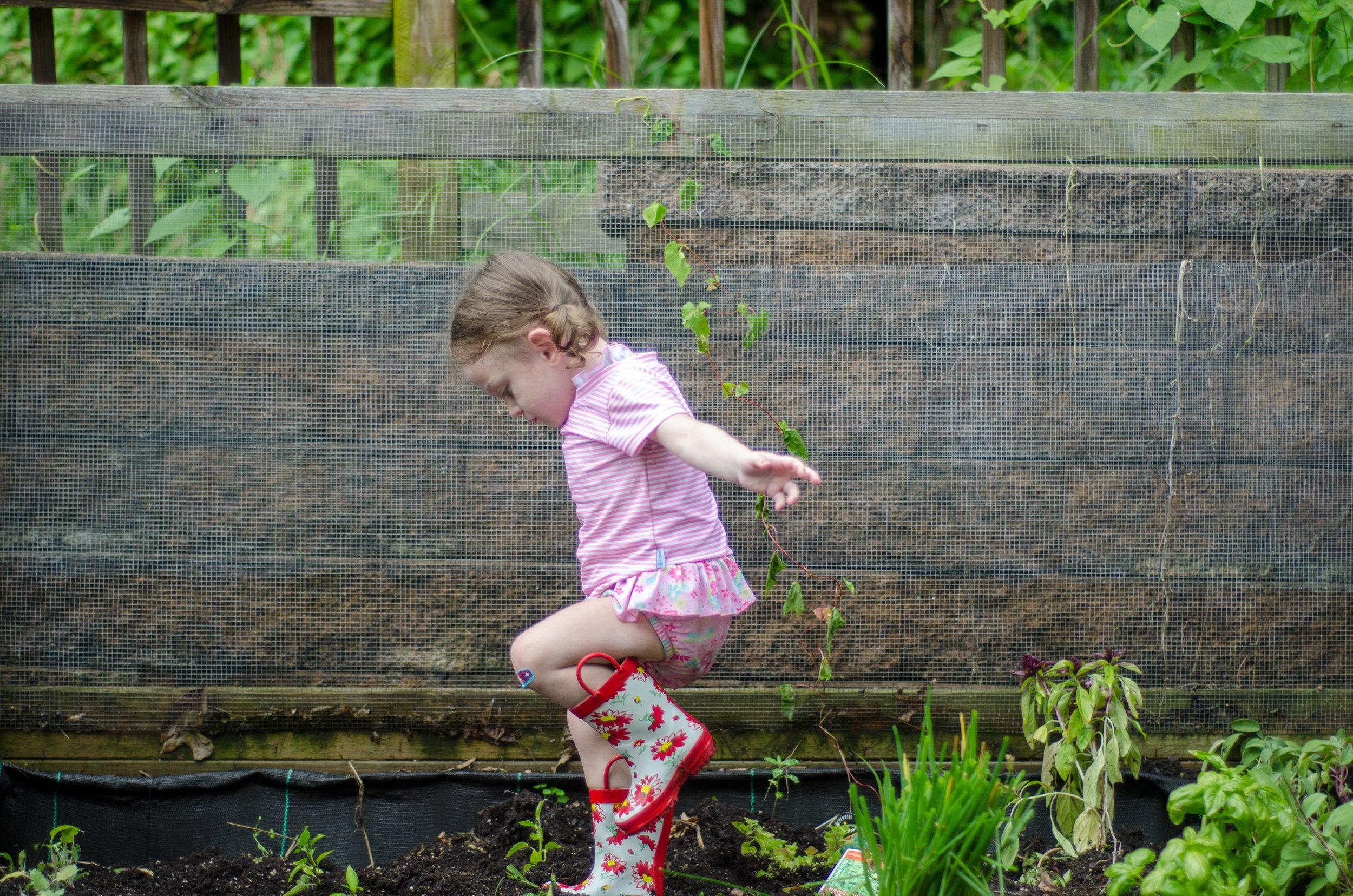 reasons to garden with your kids - iPlay - www.shegotguts.com