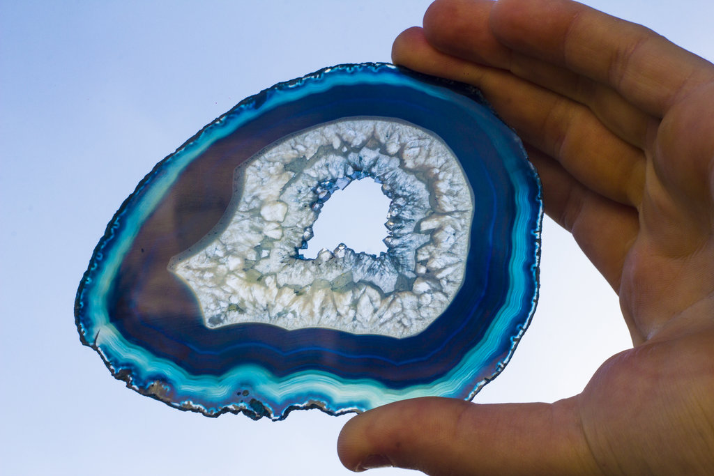 blue_lace__agate_geode_slice__by_kizer29-d6pfe0i.jpg
