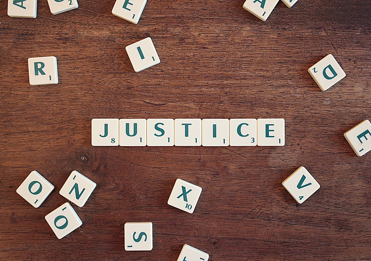 justice-2755765_1280.jpg