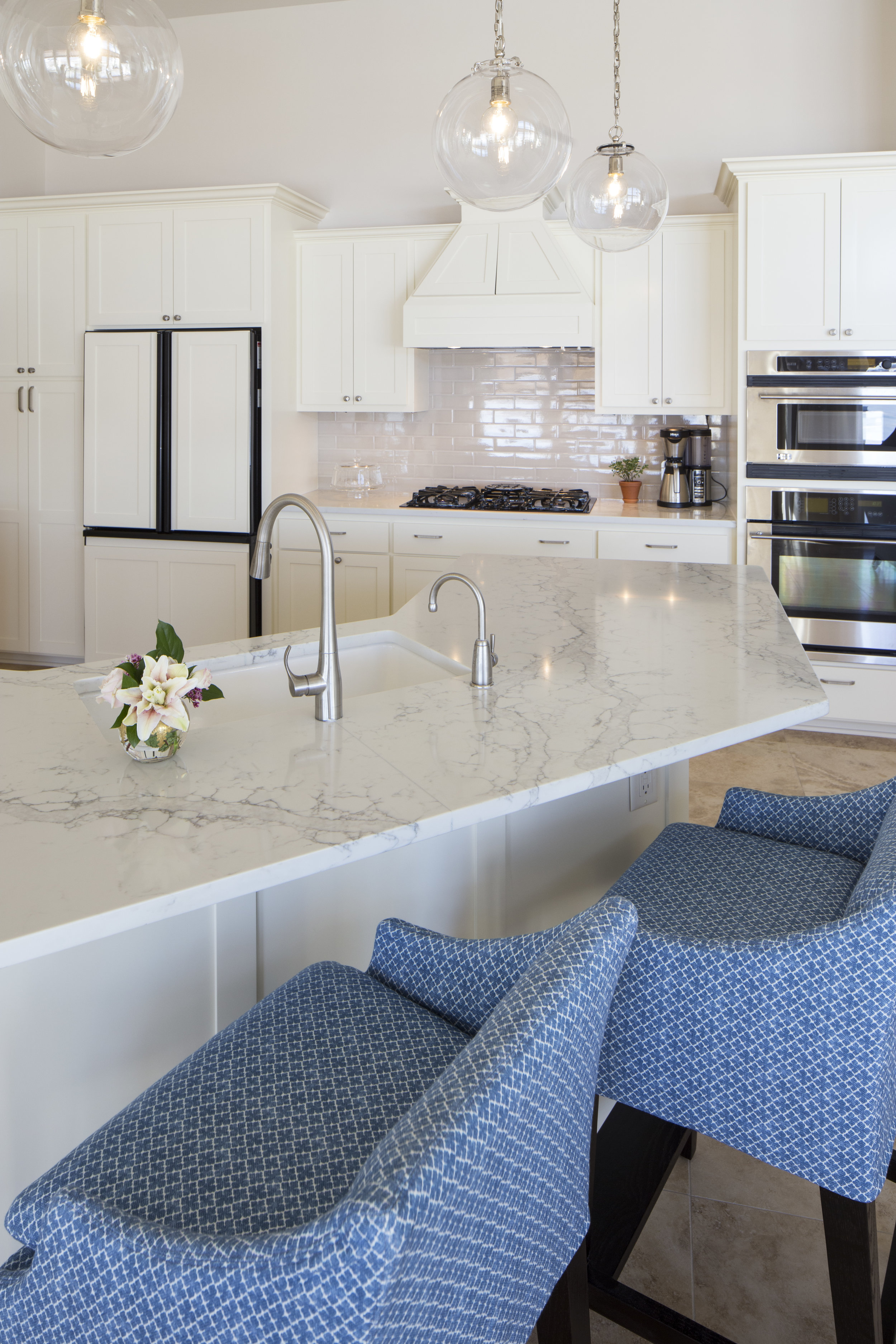 Kitchen Island Stovetop.jpg