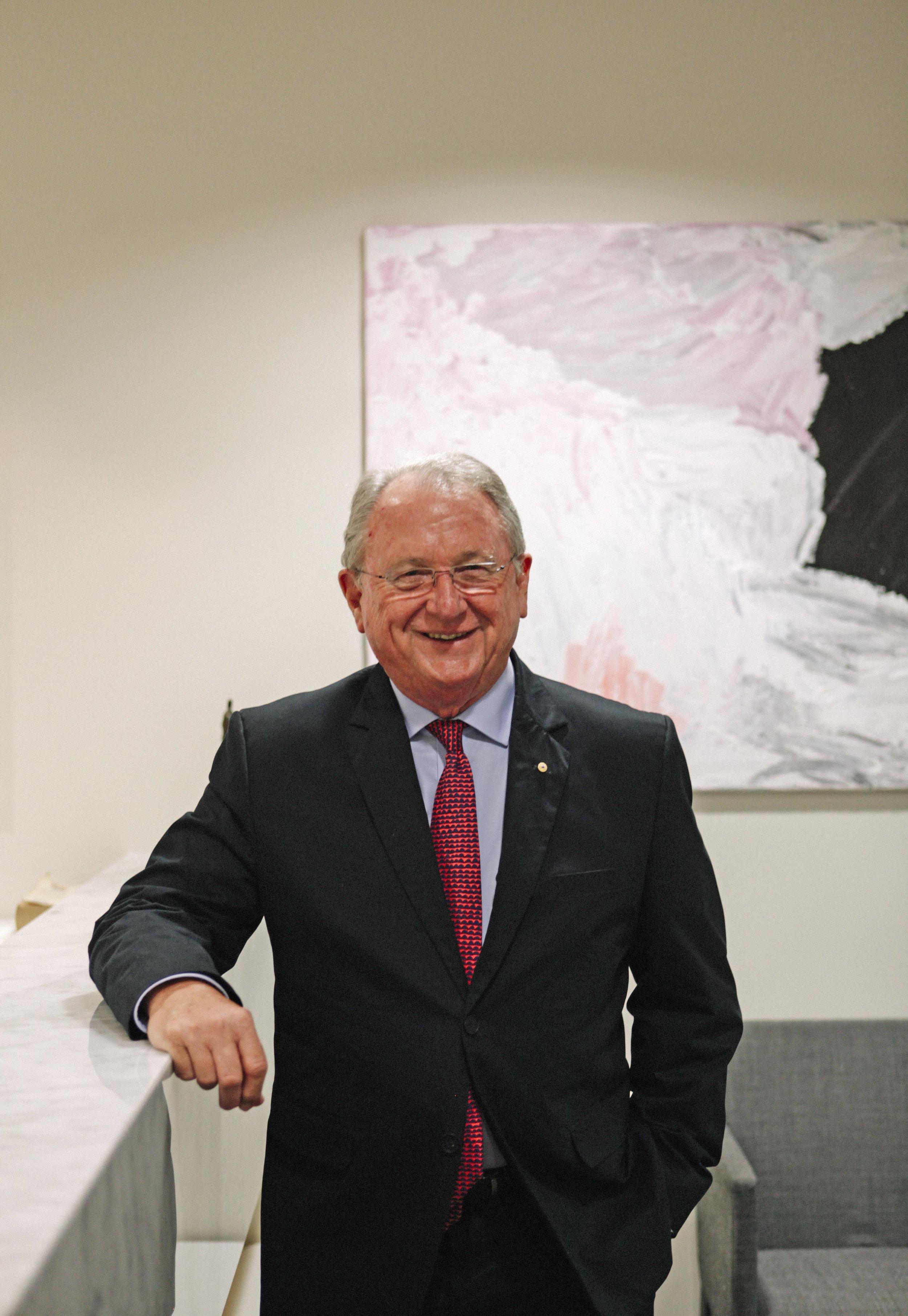 Dr Keith Hartman