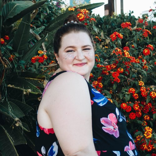 Sophia Carter-Kahn,Creator & Host - is a freelance writer, previously on staff at HelloGiggles and BuzzFeed. She writes about pop culture, gender, media, history, and plus size fashion. She loves YA fantasy novels and always carries natural citrine and moonstone.Keep up with her on her site, Twitter, and Instagram.