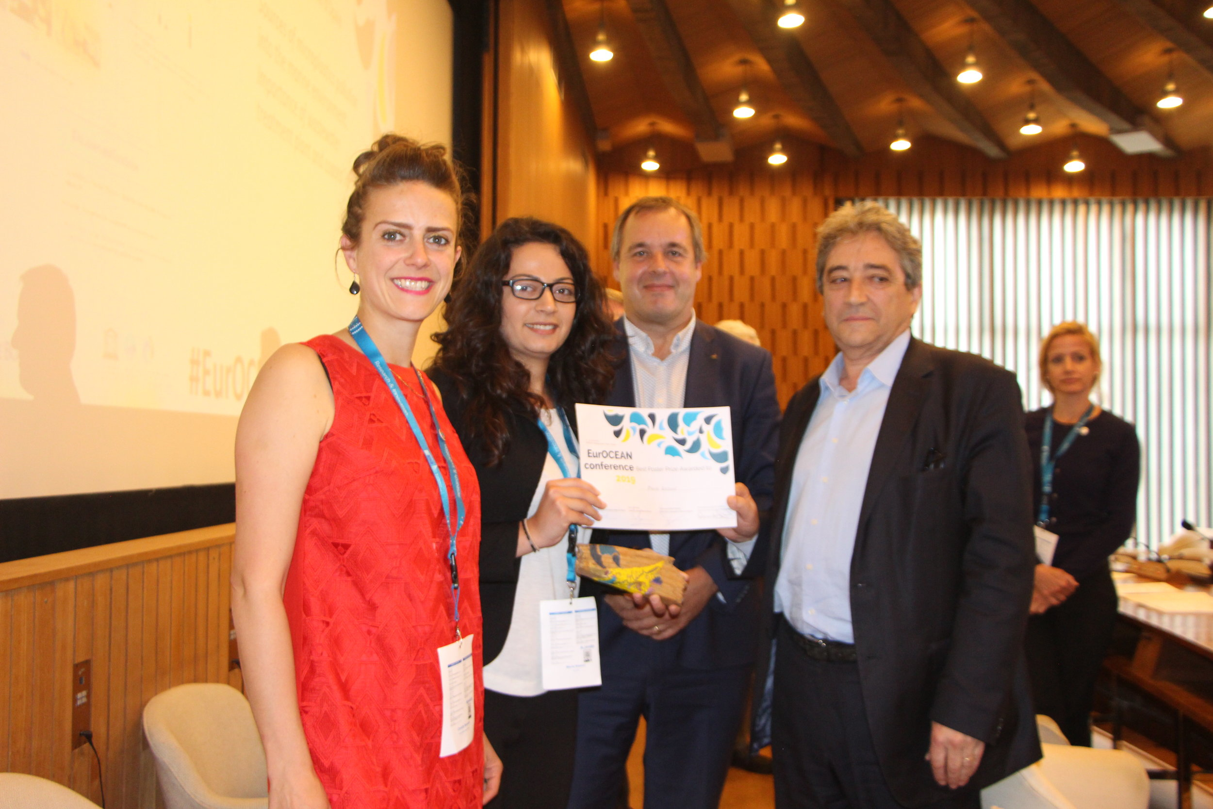 From left to right: Camilla Brendon (commissioned artist), Maria Kazour (poster winner), Jan Mees (European Marine Board Chair) and Ricardo Serrão Santos (Member of European Parliament)