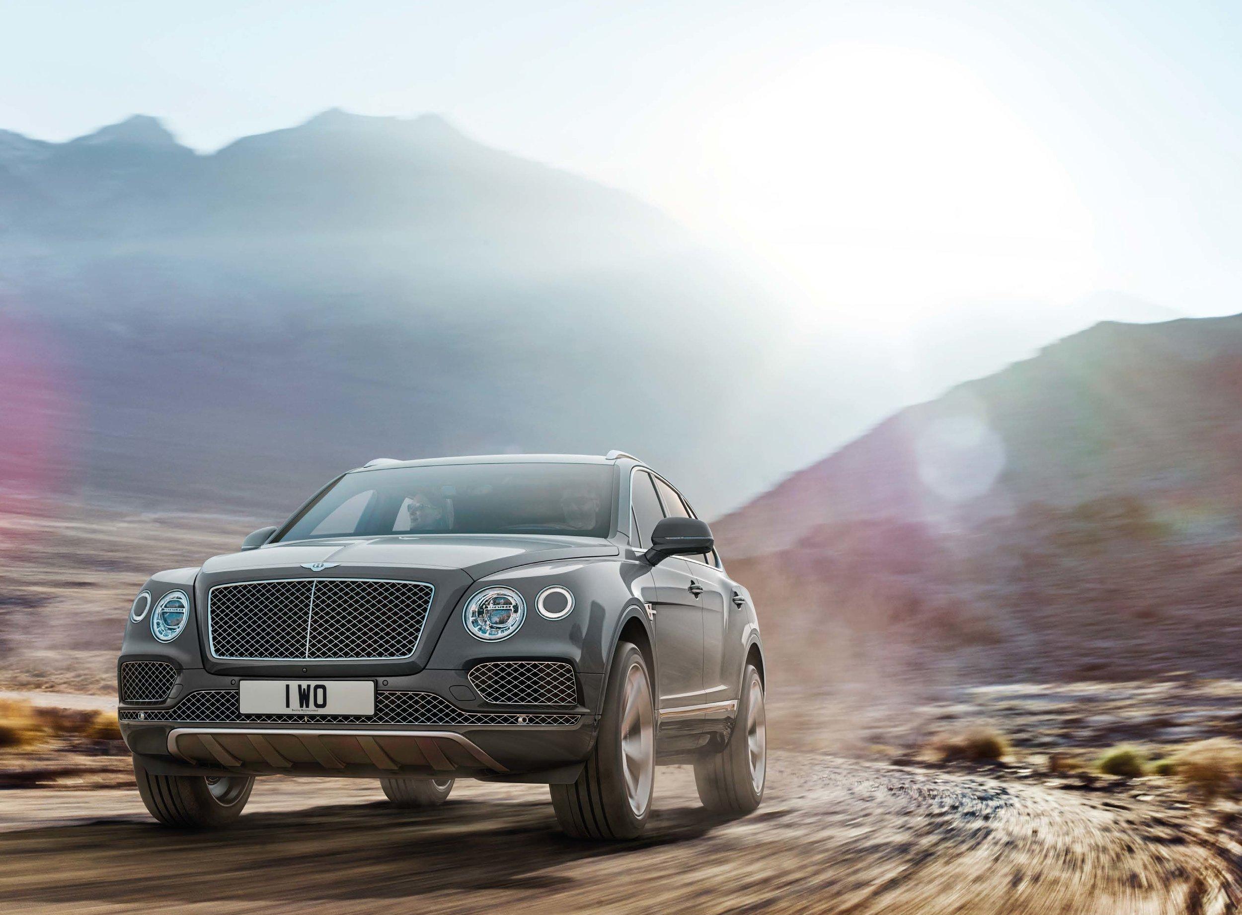 Bentley Bentayga Brochure _Page_04.jpg