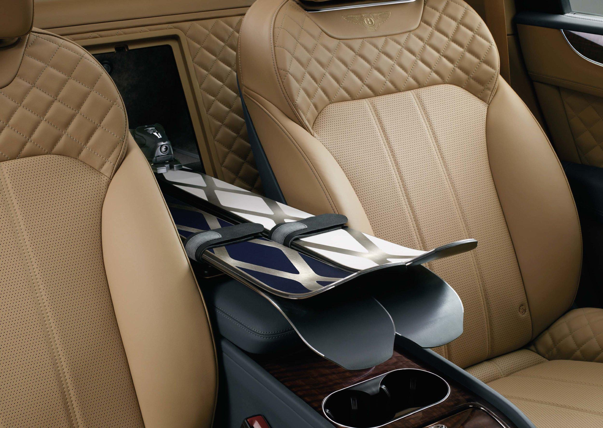 Bentley Bentayga Brochure _Page_16.jpg