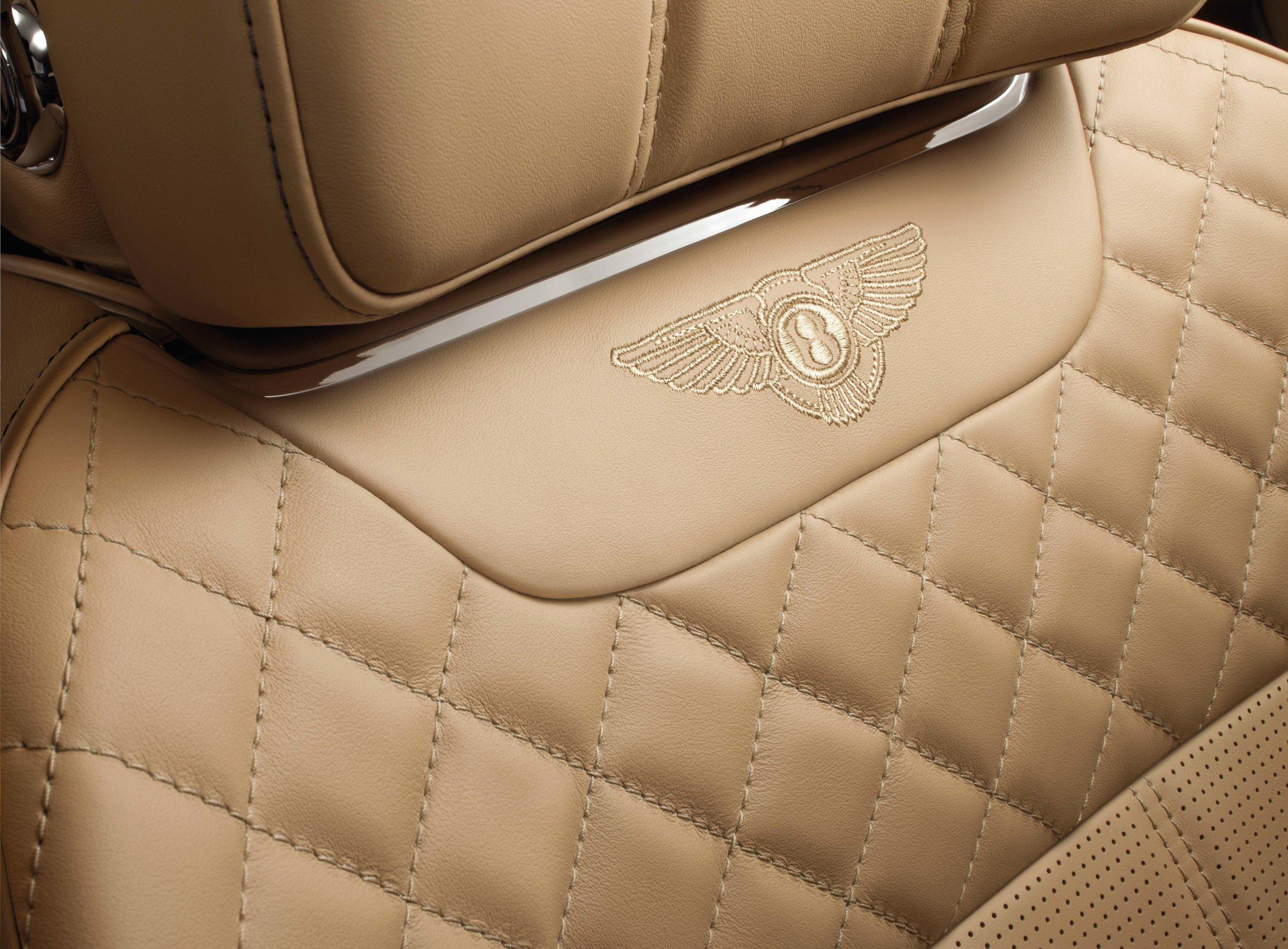 Bentley Bentayga Brochure _Page_14.jpg