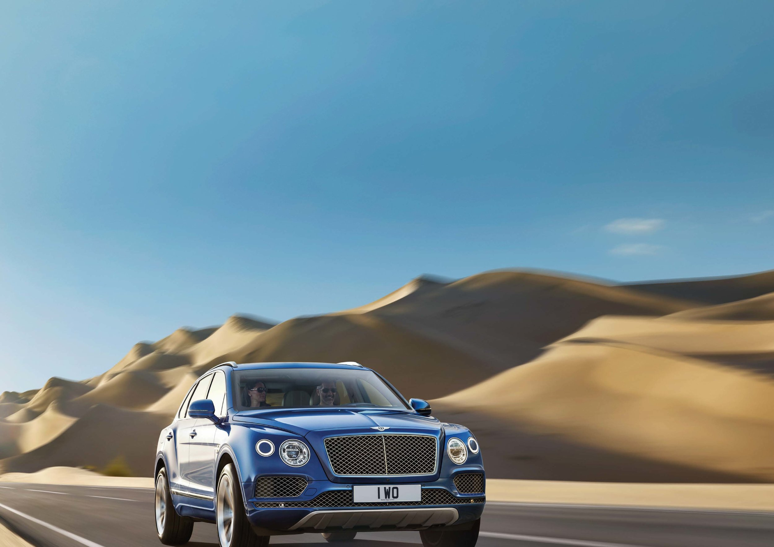 Bentley Bentayga Brochure _Page_23.jpg