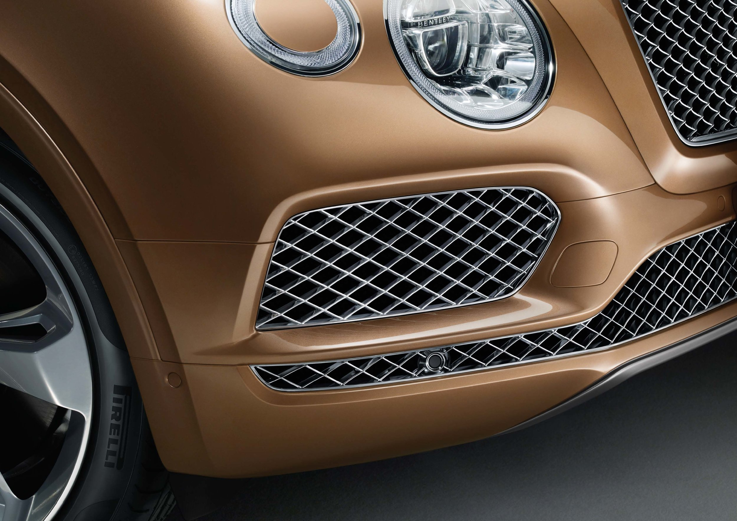 Bentley Bentayga Brochure _Page_44.jpg