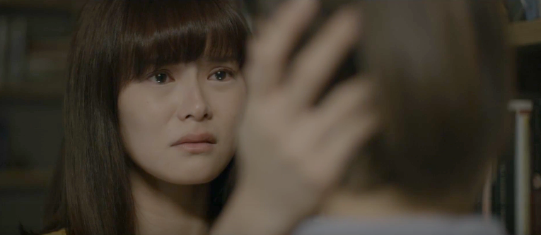An emotional scene in episode 3 where Chloe meets her deceased mother