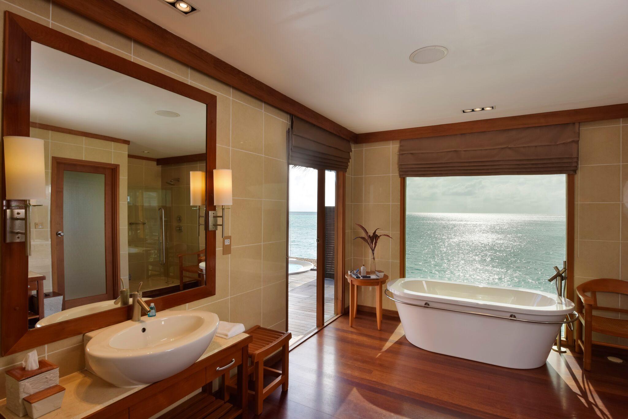 CMRI_Deluxe Water Villa_Bathroom (a)_preview.jpeg