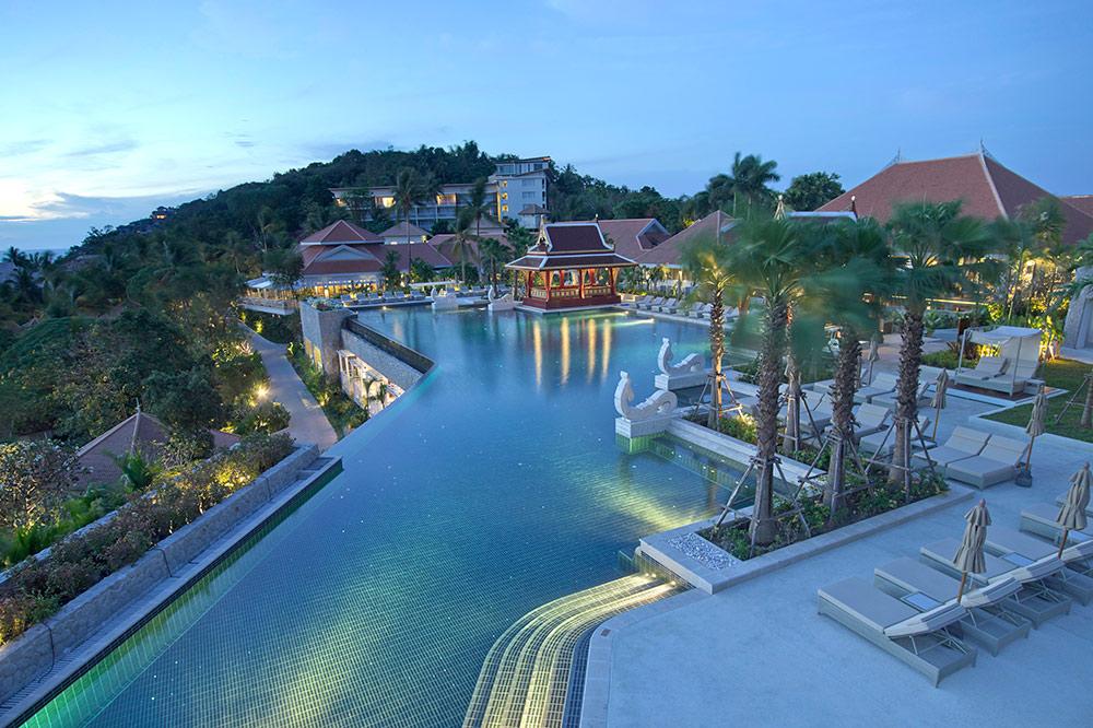 Amatara-Wellness-Resort_pool-panorama.jpg