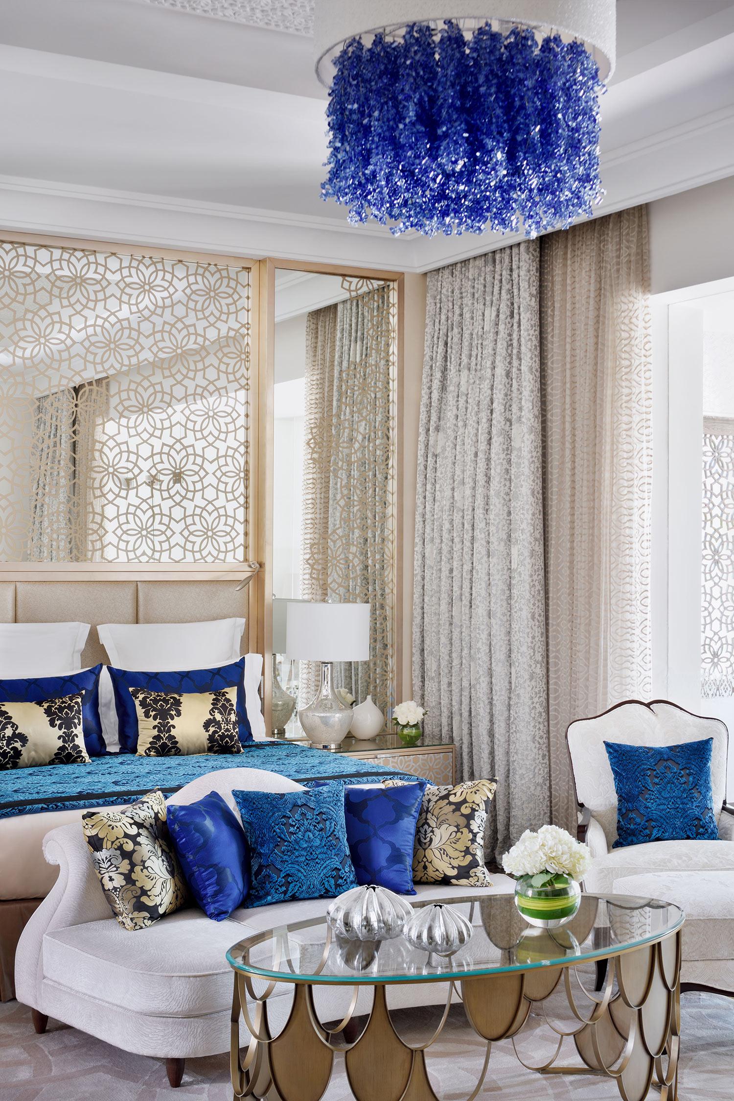 oo_royal_mirage_residence_and_spa_beach_garden_villa_master_bedroom_details_28_9_2017.jpg
