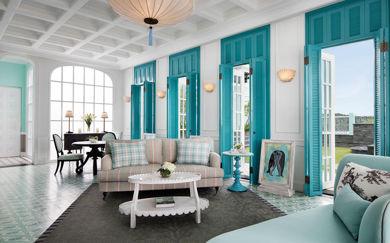 02_Turquoise-Suite_Living-Room.jpg