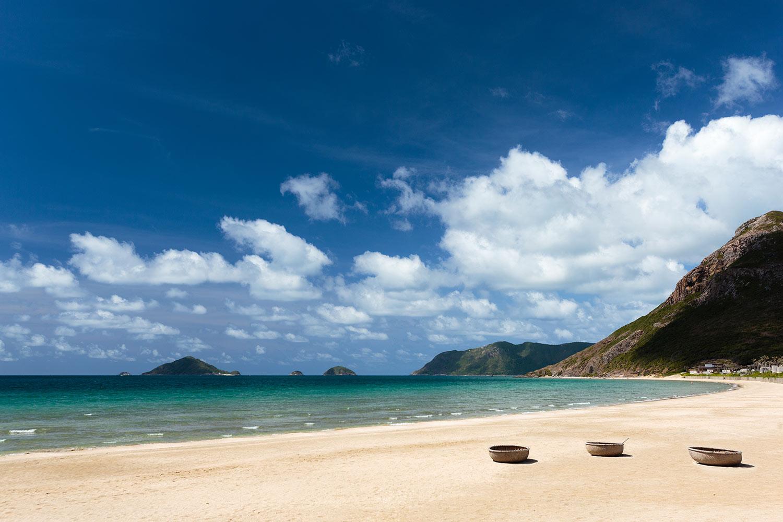 1.6km-of-sandy-beach_[5417-ORIGINAL].jpg