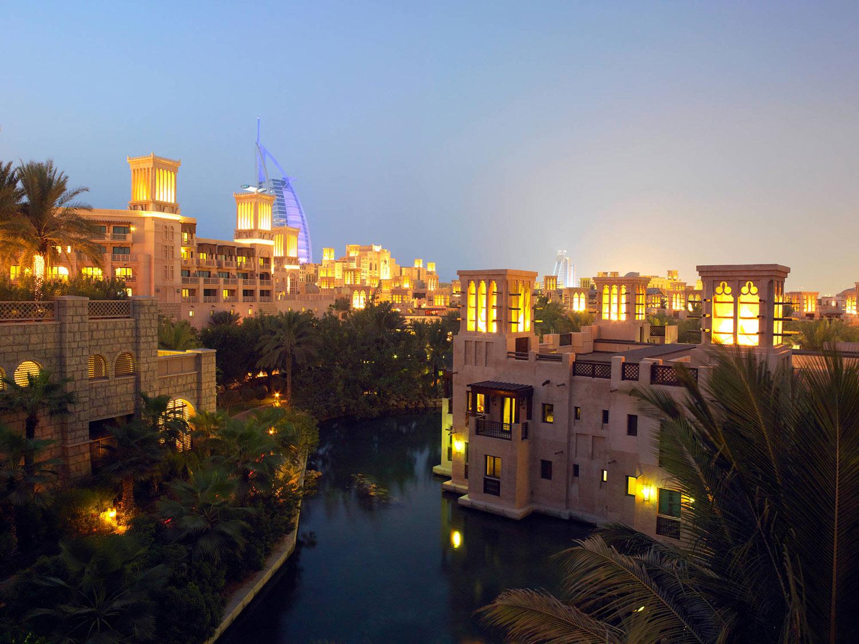 Madinat-jumeirah---Jumeirah-Dar-Al-Masyaf---Exterior-Night.jpg