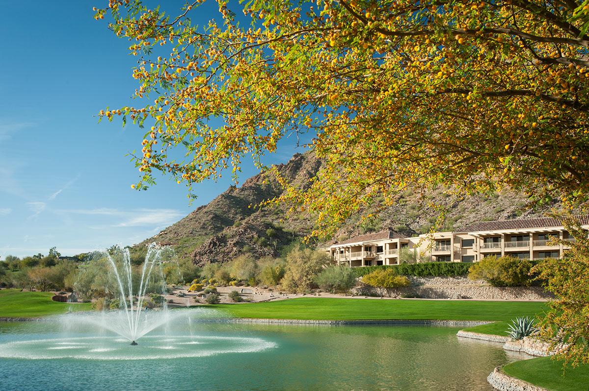 lux3544ex-156859-Canyon-Suites-Exterior.jpg