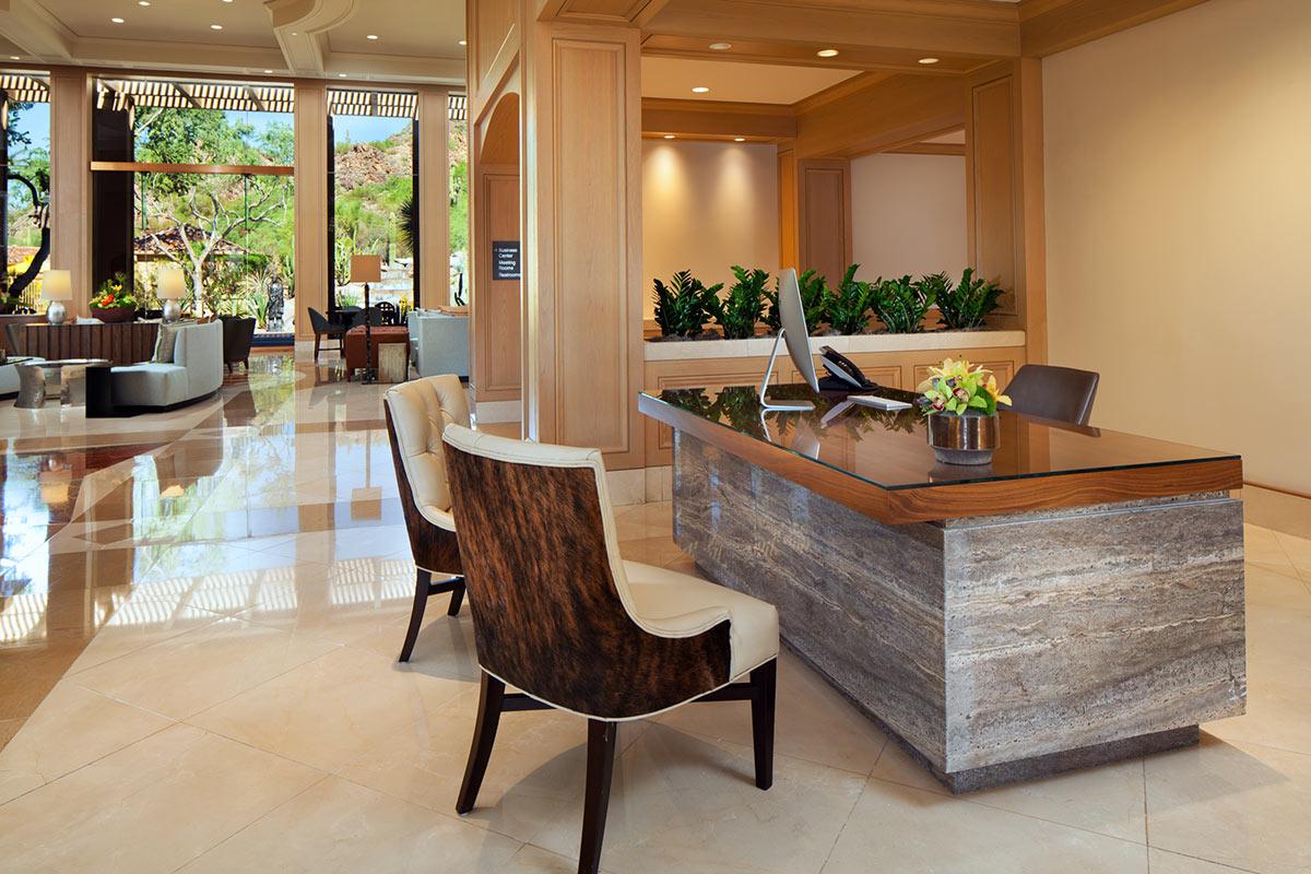 lux3544lo-202030-Concierge-Desk.jpg
