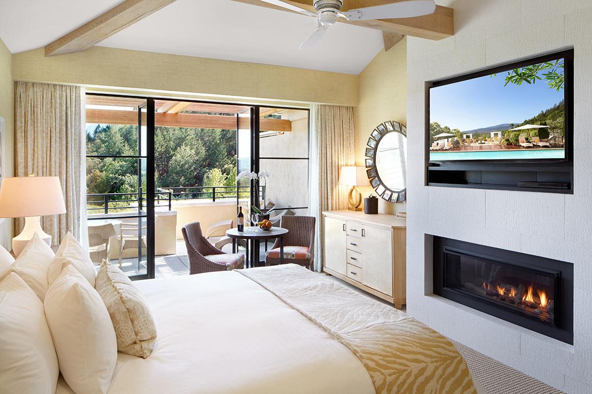 Hillside-guest-room.jpg