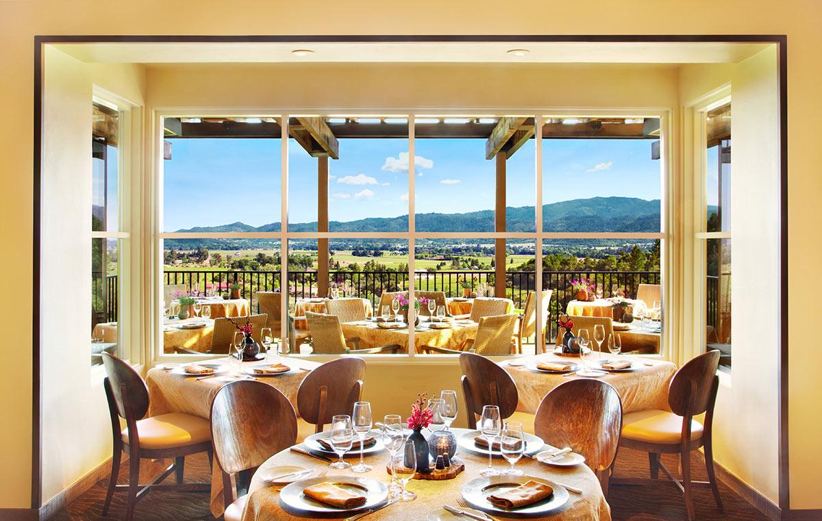Restaurant-dining-room-interior.jpg