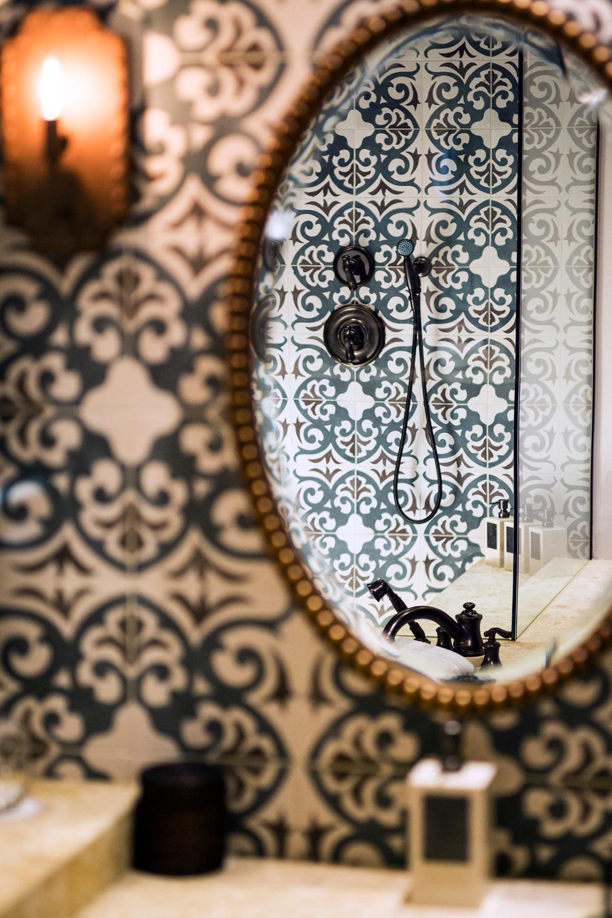 CASITA_Detail_Bathroom-Mirror.jpg