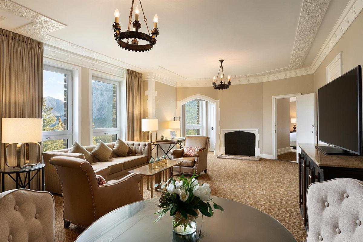 Fairmont-Gold-Two-Bedroom-Suite-Parlour_492571_high.jpg