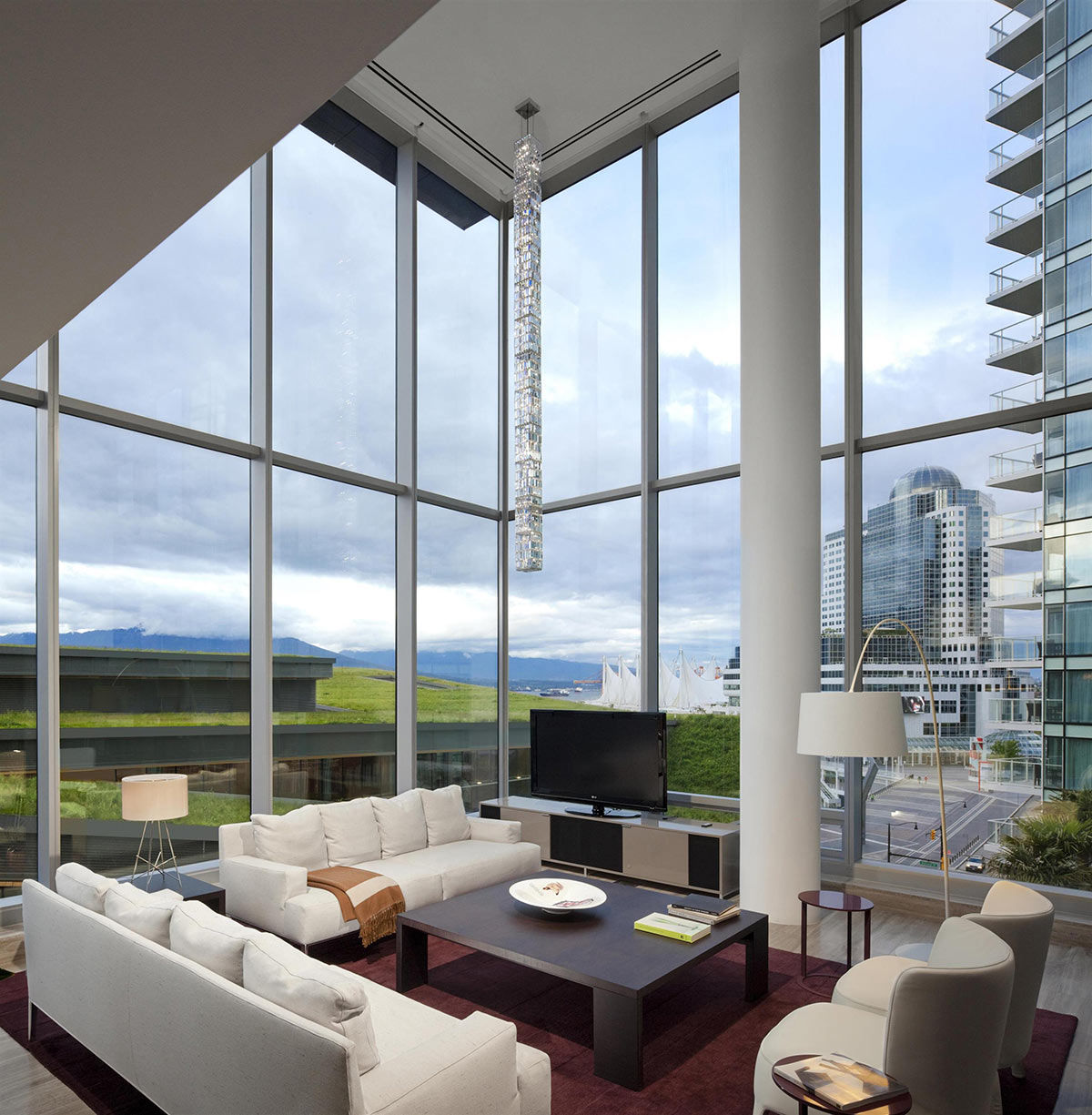 Chairman's-Suite-Living-Room_482525_high.jpg