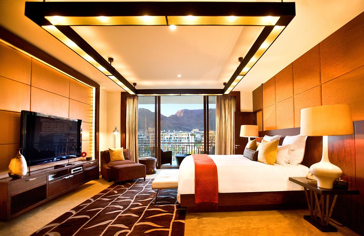 One&Only-Cape-Town_Table-Mountain-Suite-Bedroom.jpg