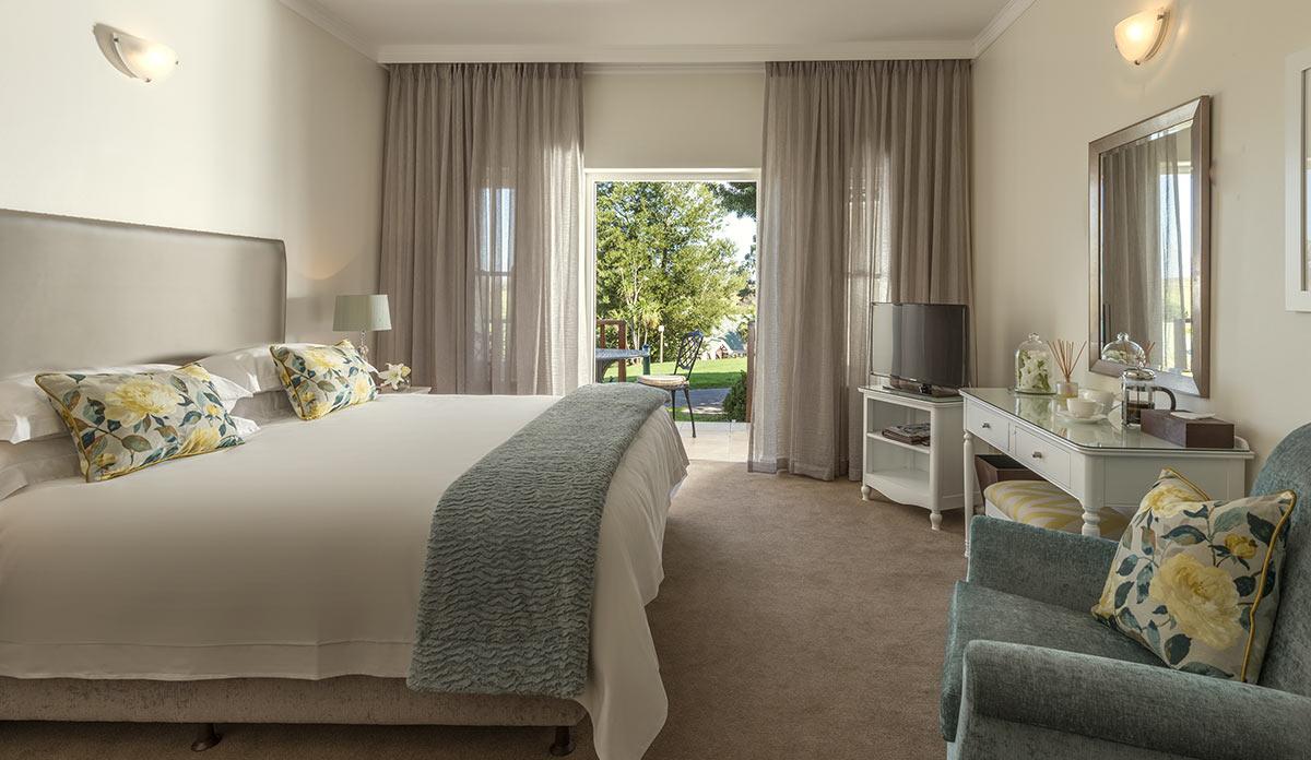 Fancourt-Hotel_One_Bedroom-Suite-1.jpg
